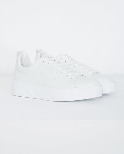 Weiße Sneakers